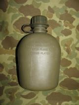 Feldflasche, Canteen 1 Quart, aus Kunststoff - US Army USMC Vietnam