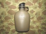 Canteen, Feldflasche aus Kunststoff mit NBC Cap für M17A1 Gas Mask - US Army USMC Vietnam